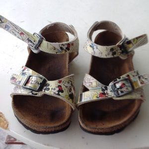 Girls Birkenstocks.
